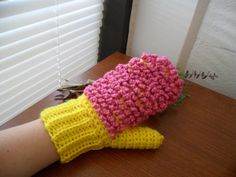 Yellow and Pink Bright Ecofriendly 2-Sided Dusting Mitt - Washable and Reusable