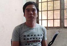 Công an quận 1 (TP HCM) hôm 8/1 tạm giữ hình sự Nguyễn Hữu Tuấn (29 tuổi) về hành vi Cướp giật tài sản.          Tuấn tại cơ quan điều tra, Ảnh: Q.T      Đêm hai hôm trước, chị Trinh (23 tuổi) đứng trước hẻm 82 Võ Thị Sáu (quận 1) thì bị Tuấn chạy xe máy áp sát, giật phăng túi xách c...  http://cogiao.us/2017/01/08/co-gai-bi-ten-cuop-ga-vui-ve-se-cho-chuoc-tai-san/