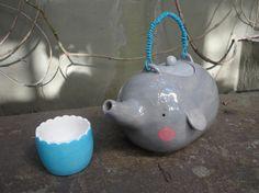 Teapot elephant by Lola Goldstein