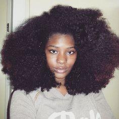 @demelsaaw Clean face x Big hair ❤ #hair2mesmerize #naturalhair #healthyhair