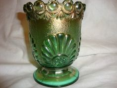 OLD CARNIVAL GLASS WESTMORELAND SUGAR BOWL