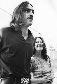 """James Taylor & Carole King - Yep, James is SUPER tall, when I met him I came to about where Carole's neck is (I'm 4' 11 1/2"""" tall)"""