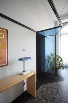 Marcante Testa - mostram-se funcionais, dividindo com elegância os ambientes, sem diminuir espaços, bloquear a luz ou a visão da paisagem.