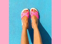 Wir werden nicht müde, die schönsten Sommertrends 2016 zu finden. Neuster Fund: Sandalen mit überkreuzten Riemen oder Cross Sandals.