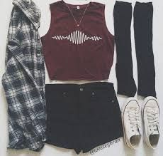 black and white flannel shirt Tumblr Outfits, Mode Outfits, Fashion Outfits, Converse Fashion, Fasion, Tumblr Clothes, Converse Outfits, Fashion Clothes, Pastel Outfit