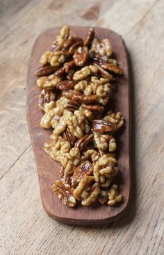 Vegan Maple Caramelised Nuts! Caramelised with maple syrup and coconut oil. Sooo delicious!