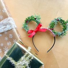 'Tis the season for the cutest pair of festive DIY Minnie ears!  Head to the blog, and learn how to make your own pair. {link in bio} @disneystyle