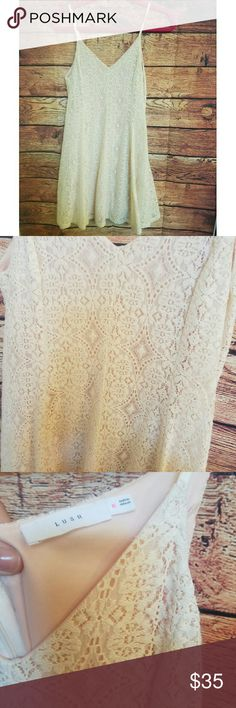 Pretty lace summer dress size medium Pretty lace summer dress size medium in good used condition. This dress is very soft Lush Dresses Mini