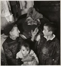 Grandmother and grandchildren in basement dwelling, Warsaw, ca. 1935–38. © Mara Vishniac Kohn, courtesy International Center of Photography.