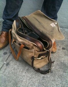 Every man needs a simple but well made weekend bag!