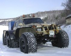 Russian Lada with snow-tire modification - Karakat style