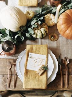 Thanksgiving tablescape: http://www.stylemepretty.com/living/2016/11/21/5-steps-to-a-gorgeous-thanksgiving-tablescape/ Photography: Josh Deaton - http://www.josh-deaton.com/