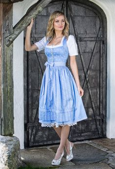 A sub for dirndls and the women who wear them. A dirndl is a type of traditional dress worn in Germany, especially Bavaria; Classy Outfits, Stylish Outfits, Girl Outfits, Beautiful Outfits, Fashion Outfits, Fashion Clothes, Fashion Ideas, Womens Fashion, Fashion Trends