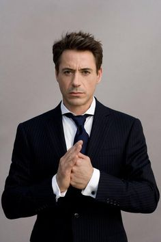 Robert Downey Jr demonstrates an extreme spread collar