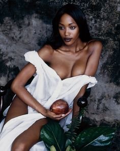 Homage to Paul Gauguin.  Naomi by Peter Lindbergh. Harper's Bazaar, US, December 1992