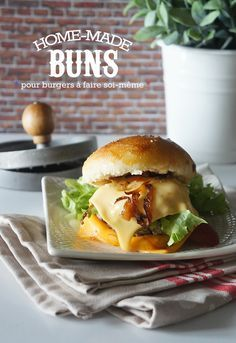 Home made buns My Burger, Burger Buns, Us Foods, Lunch Recipes, Street Food, Food Inspiration, Barbecue, Sandwiches, Toast