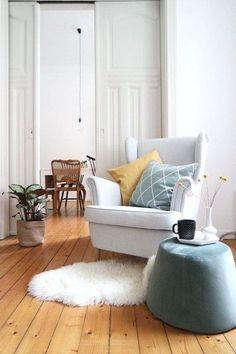 Gemütlicher dinieren – die schönsten Stühle unter 200 Euro | SoLebIch.de Foto: LenaLiving #solebich #wohnzimmer #ideen #skandinavisch #Möbel #Einrichten #modernes #wandgestaltung #farben #holz #dekoration #Wohnideen #Einrichtung #interior #interiorideas #livingroom #pouf #beistelltisch #blau