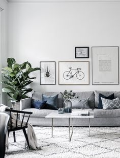 Grey Small Living Room Apartment Designs to Look Amazing - Salon Decor Design Living Room, Living Room Grey, Living Room Interior, Home Living Room, Living Room Furniture, Living Room Decor, Living Room With Plants, Living Room Inspiration, Design Inspiration