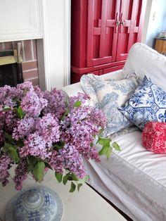 Elinor Cottage lilacs
