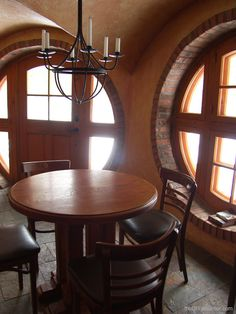 Hobbit Home - Troglo - theDIYDreamer.com...I wanna have at least one hobbit room