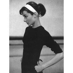 Classic Audrey Hepburn and How To Be Attractive In 9 Easy Steps ❤ liked on Polyvore featuring audrey hepburn