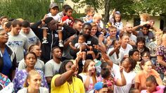 During the Duke football team's open week, the Blue Devils made their annual trip to the Durham Rescue Mission's Good Samaritan Inn to spend time with the families.