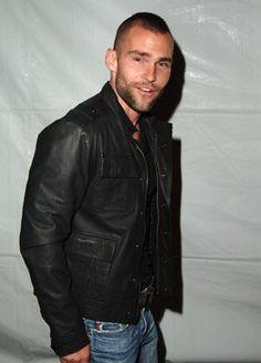 seann william scott Seann William Scott, Bald Men Style, Leather Men, Leather Jacket, S Man, Gorgeous Men, Beautiful Boys, Sexy Men, Hot Men