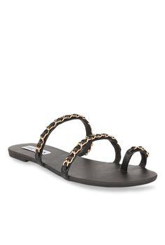 f2b2e65358a4 Buy Steve Madden Rustlerr Black Toe Ring Sandals for Women at Best Price   Tata  CLiQ
