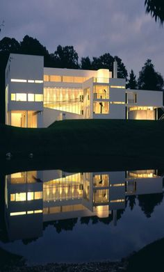 Richard Meier & Partners Architects -- House in Old Westbury  Old Westbury, New York  1969 - 1971