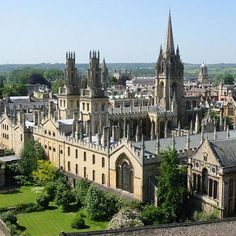 Oxford - England... So majestic looking. I think I would feel like I was literally living in Hogwarts.