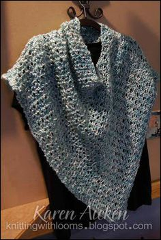 Knitting With Looms Aqua short poncho made with Lions Brand Homespun yarn. A great piece for travelling!
