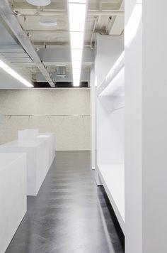 Collage The Shop in Illum Copenhagen by Studio David Thulstrup, Photo by Irina Boersma. Interior Concept, Interior Design, Curved Walls, Aluminum Table, Retail Design, Copenhagen, Interior Architecture, Custom Design, Collage