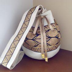 Crochet Hobo Bag, Crochet Handbags, Beautiful Handbags, Beautiful Bags, Ethnic Bag, Potli Bags, Basket Bag, Fabric Bags, Quilted Bag