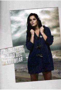 Giaccone in maglia lavorato a costa inglese....sportivo, caldo....semplicemente bello!!! Gaia Life le curve perfette...