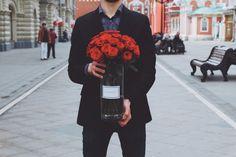 Букеты в вазах - модная тенденция и мы её поддерживаем #розы #roses