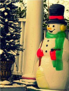 Blow mold snowman