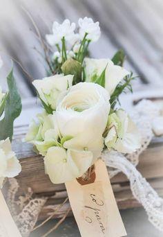 #wedding #weddingeventswp #weddingevents #wp #weddingplanner #nozze #sposa #matrimonio #abito #capelli #look #scarpe #acconciatura #accessori #velo #weddings #eventi #weddingeventi #bride #dress #sposo #shoes #vestito #fashion #bouquet #intimosposa #anello