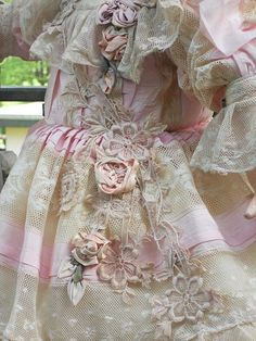 ~~~ Fine Antique French Lace BeBe Summer-Dress with Bonnet ~~~ : When Dreams Come True Doll-Shop Antique Lace, Antique Dolls, Vintage Lace, Doll Costume, Costume Dress, Costumes, Girls Dresses, Summer Dresses, Doll Dresses