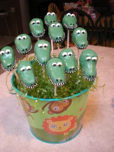 Cake Pop Arrangement - Alligators - this one's for Stephanie Hopkinson ;) xx
