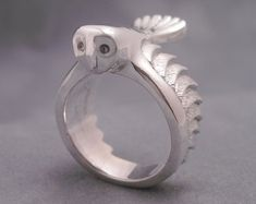 Eule Ring mit blauen Saphir Augen Schleiereule von ElinaGleizer