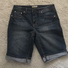Cute shorts Never worn, excellent condition. Making room in my closets. Smoke and pet free home. Earl Jean Shorts Jean Shorts