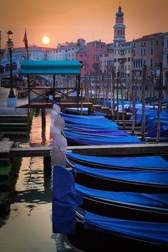 Sunrise in Venice, Italy - more beautiful sunrises on our blog: http://www.ytravelblog.com/travel-pinspiration-beautiful-sunrises/