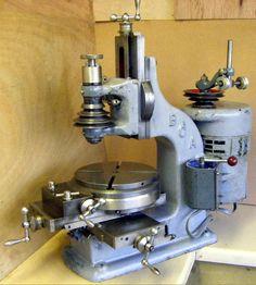 Antique Tools, Old Tools, Vintage Tools, Small Milling Machine, Cnc Machine, Metal Mill, Metal Shop, Lathe Tools, Woodworking Tools