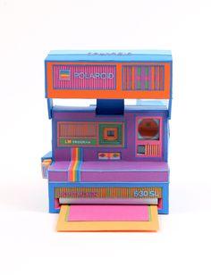 Polaroid camera - fabulous paper art by Zim And Zou , via Behance Deco Miami, Cardboard Camera, Paper Camera, Cardboard Art, Console Vintage, Electronic Paper, Paper Art, Paper Crafts, Cut Paper