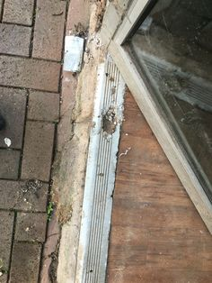 Aluminium rot in a door frame... Who knew it could rot?!