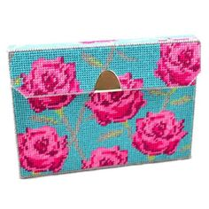 Pink Rose clutch bag kit. Comes with everything you need to make this item from start to finish! #handbag #clutchbag #roses #pink