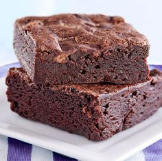 Brownies, One Bowl (Better for You) Recipe : Find lighter and healthier recipes at WebMD. Oreo Brownies, Blondie Brownies, Cupcakes, Brownie Bar, Something Sweet, Brownie Recipes, Baked Goods, Sweet Recipes, Baking Recipes