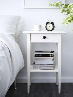 HEMNES nachtkastje | #IKEA #IKEAnl #slaapkamer #wit #inspiratie #landelijk