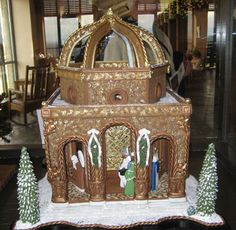 Gingerbread Dome: This was one of the top winners (I believe 1st runner up?) at the 2009 National Gingerbread House Competition.  The artist won last year's grand prize