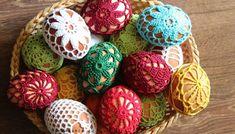hackovane kraslice hackovane velkonocne vajicka Easter Eggs, Crochet Earrings, Spring, Fiber, Crafts, Hand Crafts, Manualidades, Low Fiber Foods, Handmade Crafts
